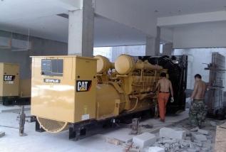 新乡大型发电机组搬运