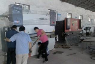 新乡大型剪板机搬运